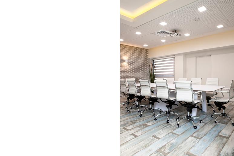תכנון ועיצוב תקרה בשילוב מערכות נסתרות וגופי תאורה משולבים